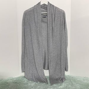 Splendid gray open front cardigan